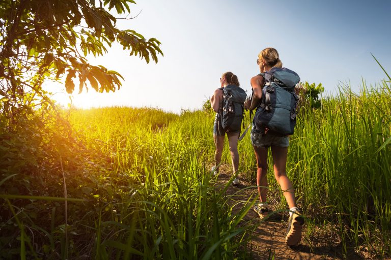 9 Reasons to Become a Travel Nurse in 2019