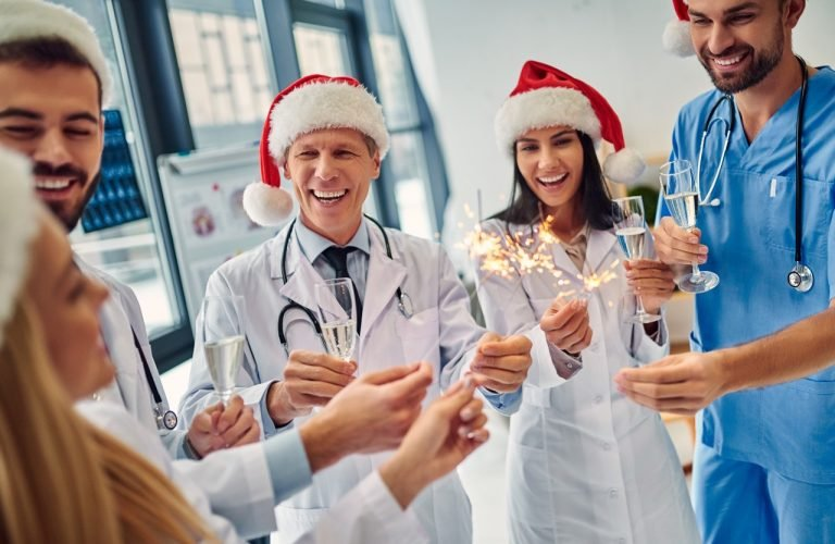 How Travel Nurses Can Make it the Most Wonderful Time of the Year